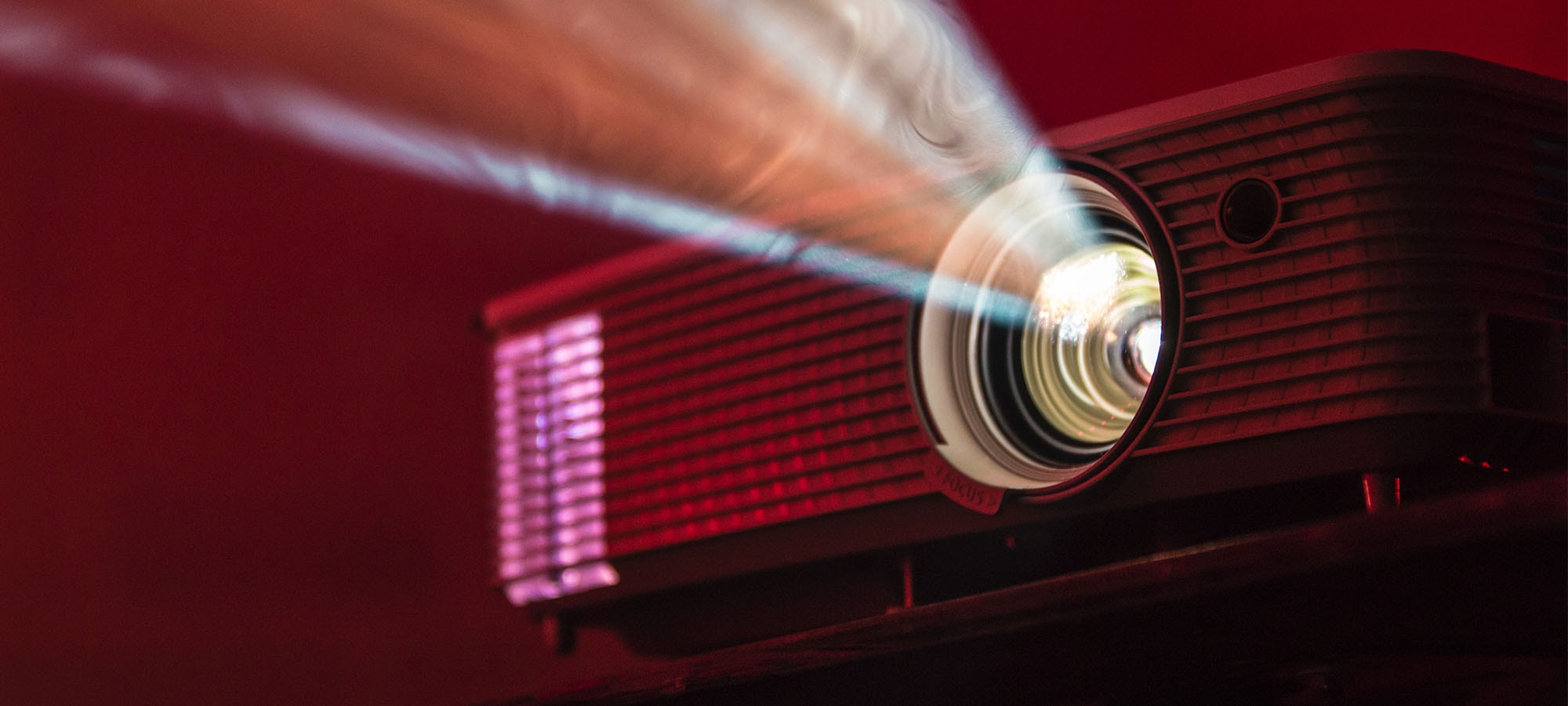 What to Know When Looking for a Home Theater Projector
